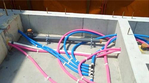 ヘッダー方式の排水管